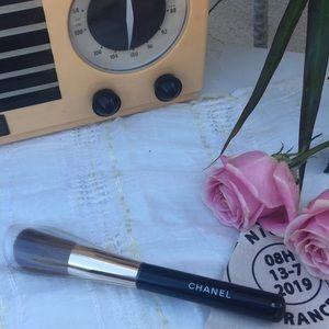 NEW Chanel Brush No.6